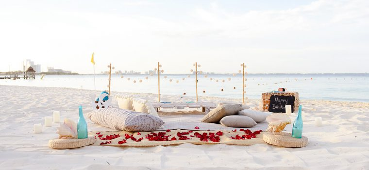 Cancun picnic white boho setup